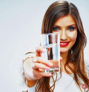 Как вывести воду из организма для похудения: действенные методики